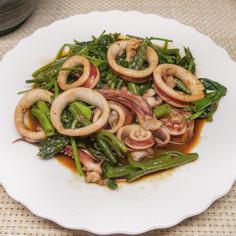 【肝いり絶品】スルメイカと空芯菜の炒め物