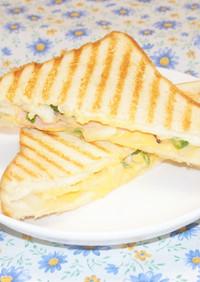 ハム・チーズ・ツナのホットサンド