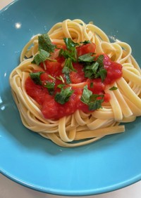 大葉とトマトのさっぱり塩酢冷製パスタ
