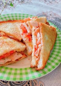 トマトとチキンとクリームチーズのサンド