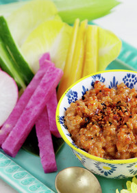 彩り野菜スティック_スパイシー肉味噌マヨ
