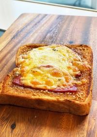 魅惑のガーリックバター甘醤油だれトースト