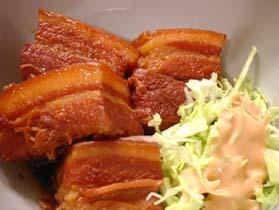 沖縄料理の定番、ラフテー