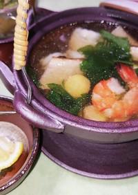 松茸の土瓶蒸し(松茸の処理、鱧、海老)