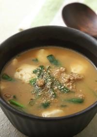 豆腐とひき肉のヤサミソスープ