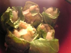 鶏挽肉と玉葱の白菜巻き味噌風味シュウマイ