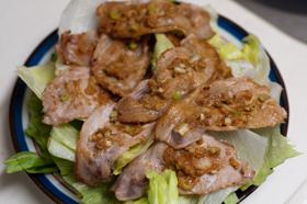 豚肉のネギ味噌のせ