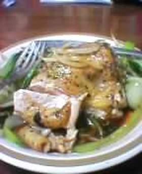 コッコシュージュー(鶏の蒸し焼き)