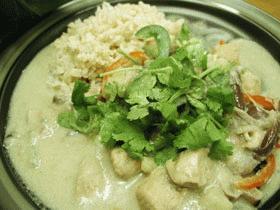 ピリリ、でもまろやか タイのグリーンカレー