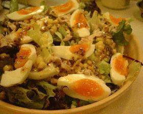 ツナとコーンと卵のサラダ