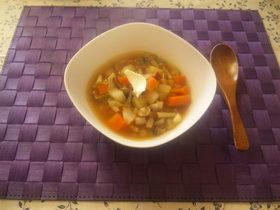ゾリャンカ風すっぱいスープ