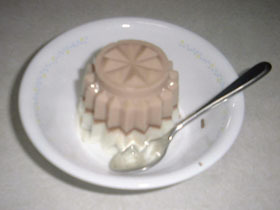 冬季限定チョコで牛乳プリン