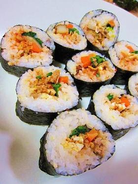 お弁当 おもてなしに 韓国風海苔巻き