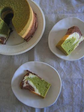 抹茶とココアの楽々マーブルシフォンケーキ