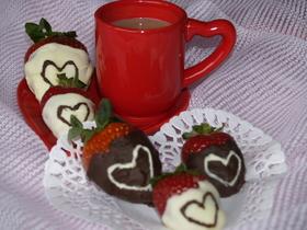 バレンタイン苺ハートチョコとチョコオーレ