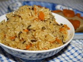 ~高野豆腐、煮しめの煮汁で~炊き込みご飯
