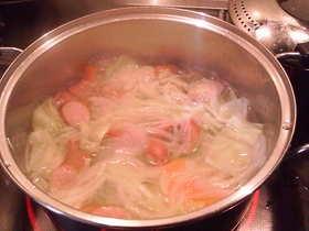 簡単!野菜た~っぷりコンソメスープ