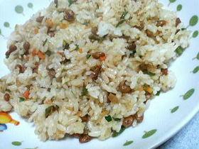 残り野菜でマヨネーズ納豆炒飯