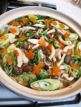 白菜とぶた肉のごま味噌鍋♪