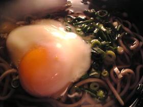 温泉卵の蕎麦