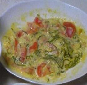 トマトとめかぶのチーズオムレツ