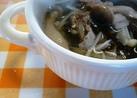 豚ともずくとキノコの黒酢スープ