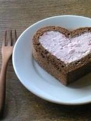 きれいなハートの、ロールケーキ。の写真