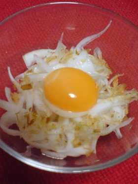 新たまねぎと卵黄が合う♪さっぱりな一品