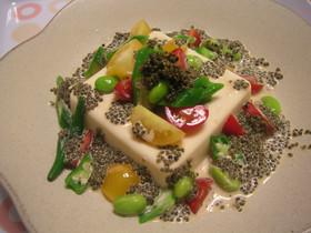 豆腐のトンブリソースサラダ