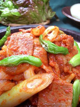 韓国料理 チェユクポックム