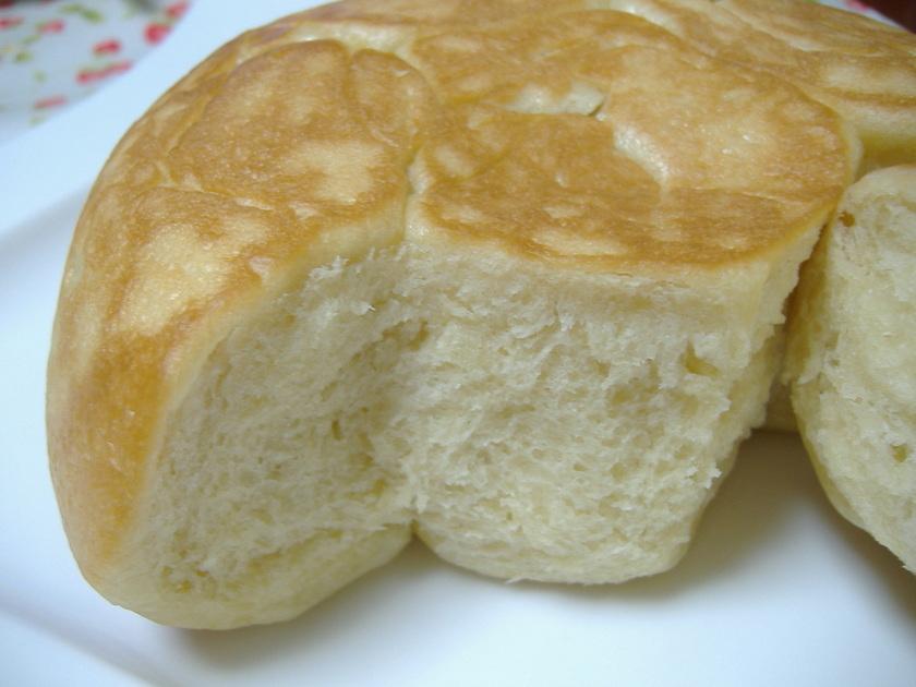 炊飯器で簡単❤生クリームでふわふわパン