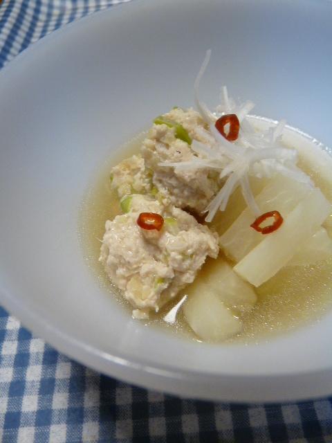ナンプラーで鶏団子と大根の煮物
