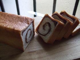 あん巻き食パン