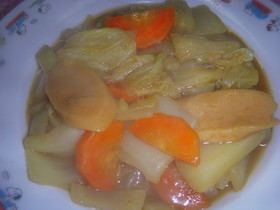 白菜と魚肉ソーセージのカレー煮