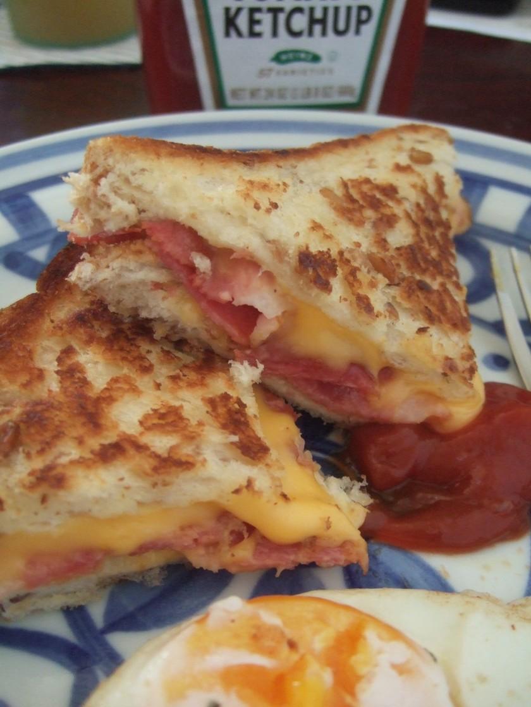 ベーコン入り☆グリルドチーズサンドイッチ