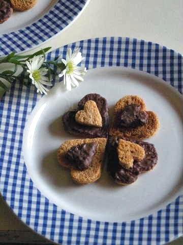 バレンタインも簡単ハートの友チョコラスク