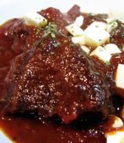 牛ほほ肉の赤ワイン煮込みの写真