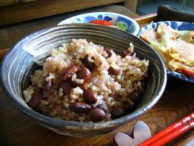 圧力鍋で玄米ごはん(黒豆もち米入り)