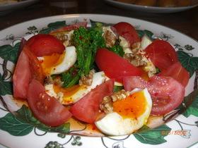 旬の菜の花とトロ~リ半熟卵のピリ辛サラダ