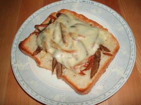 きんぴらチーズトースト
