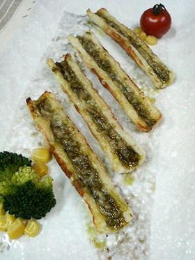 ☆ちくわのバジルソース&チーズのせ焼き☆