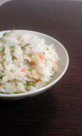 鮭フレークと大根葉の混ぜご飯