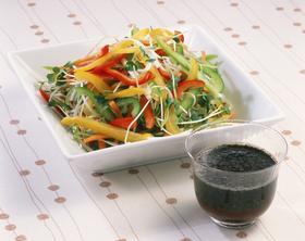 ごまぽん酢で「せん切り野菜のサラダ」