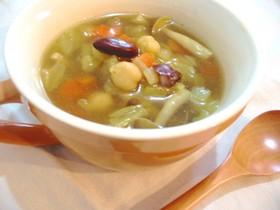 豆と野菜のヘルシーなカレースープ
