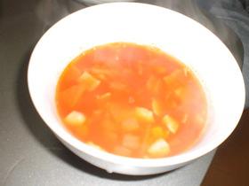 お豆と野菜たっぷり!トマトスープ