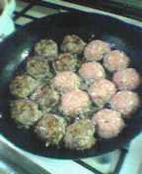 簡単!20分でできる煮こみハンバーグ