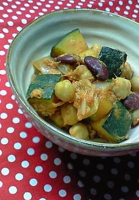 お豆とカボチャの炒め煮トマト風味