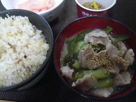 きゅうりの豚肉麦味噌汁