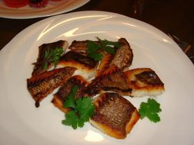 コリアンダー風味の鯛のポアレ