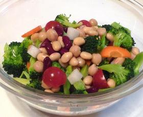 豆と色々野菜のブロッコリーサラダ